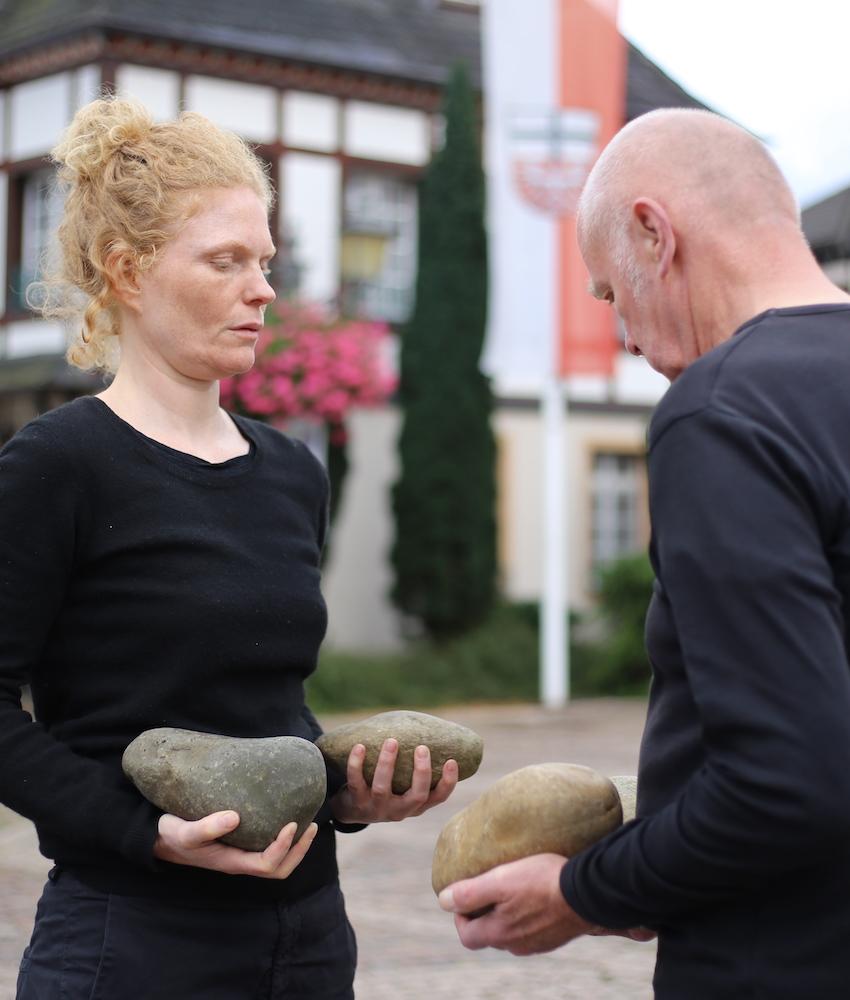 Steine: mit Boris Nieslony, Ahrweiler (DE), 2017. Foto: Sareena Sattapon
